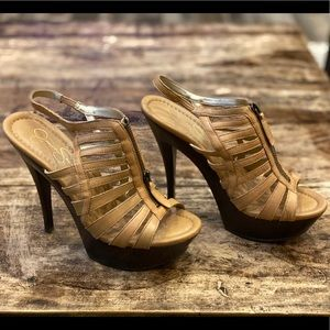 Jessica Simpson Gobow tan platform heels 71/2